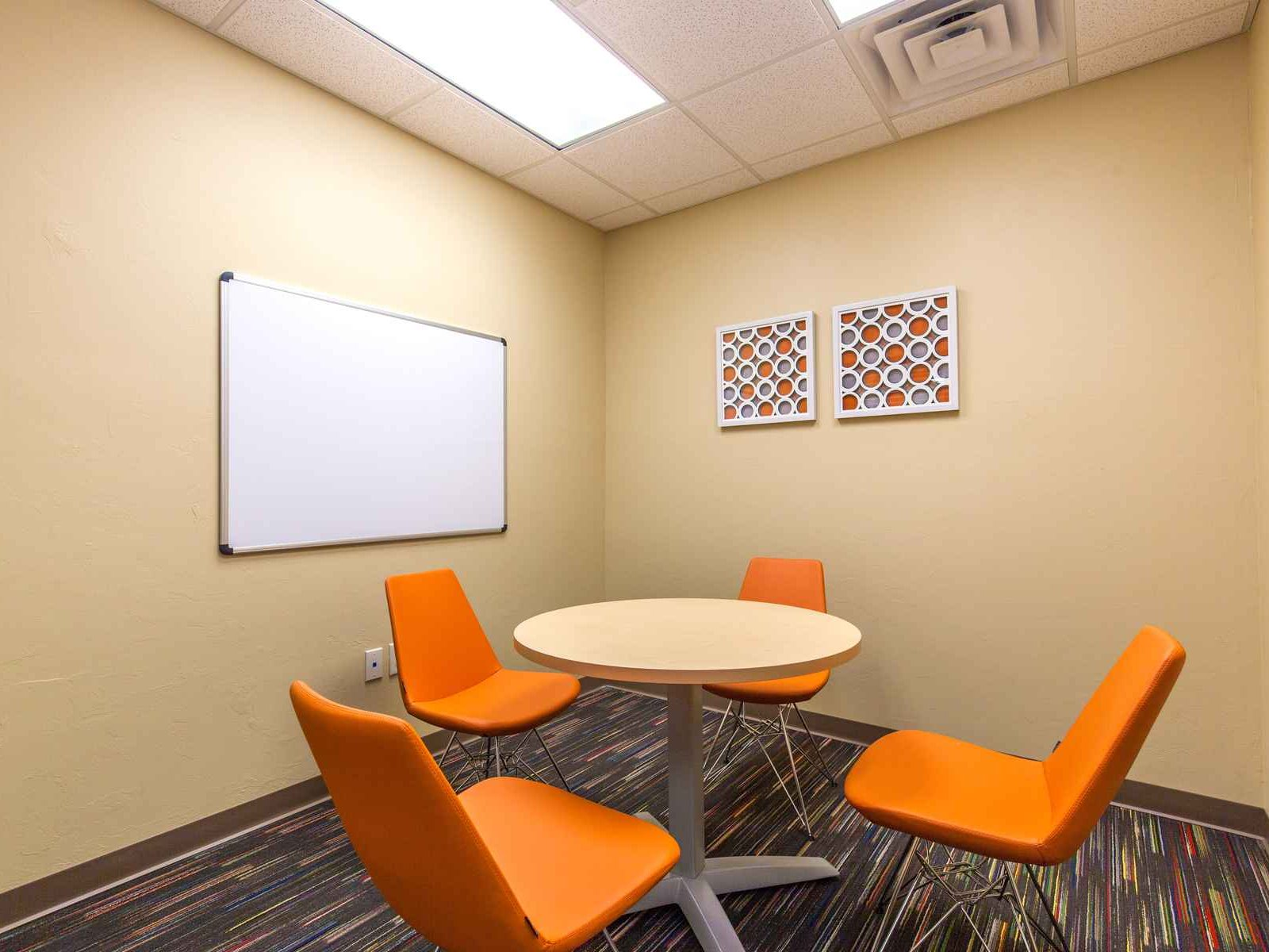 Mon Abri - Small Conference Room