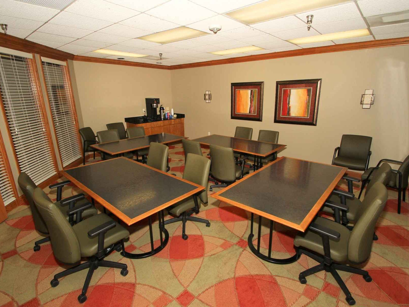 Union Plaza Business Center - Conference Room