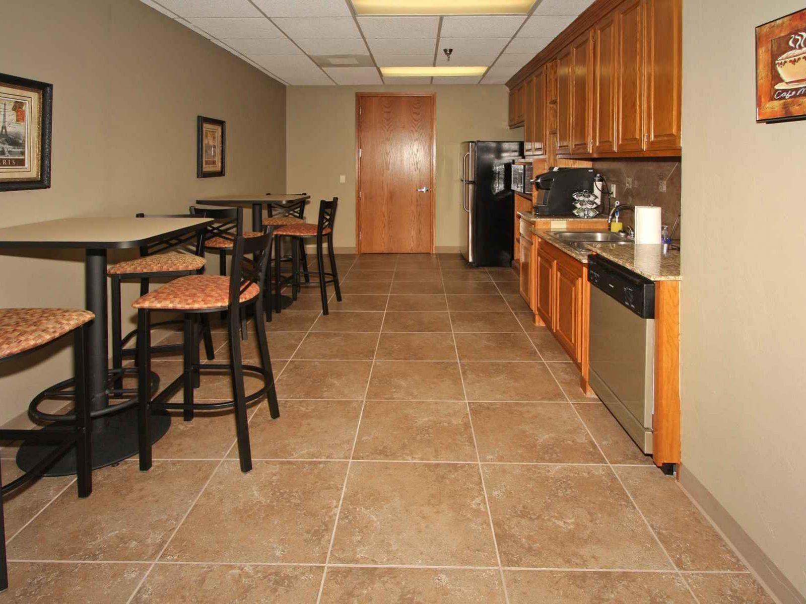 Union Plaza Business Center - Kitchen