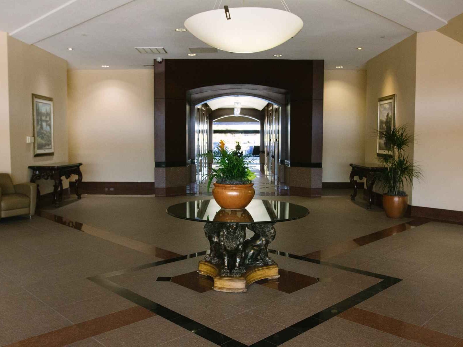 Union Plaza Business Center - Lobby